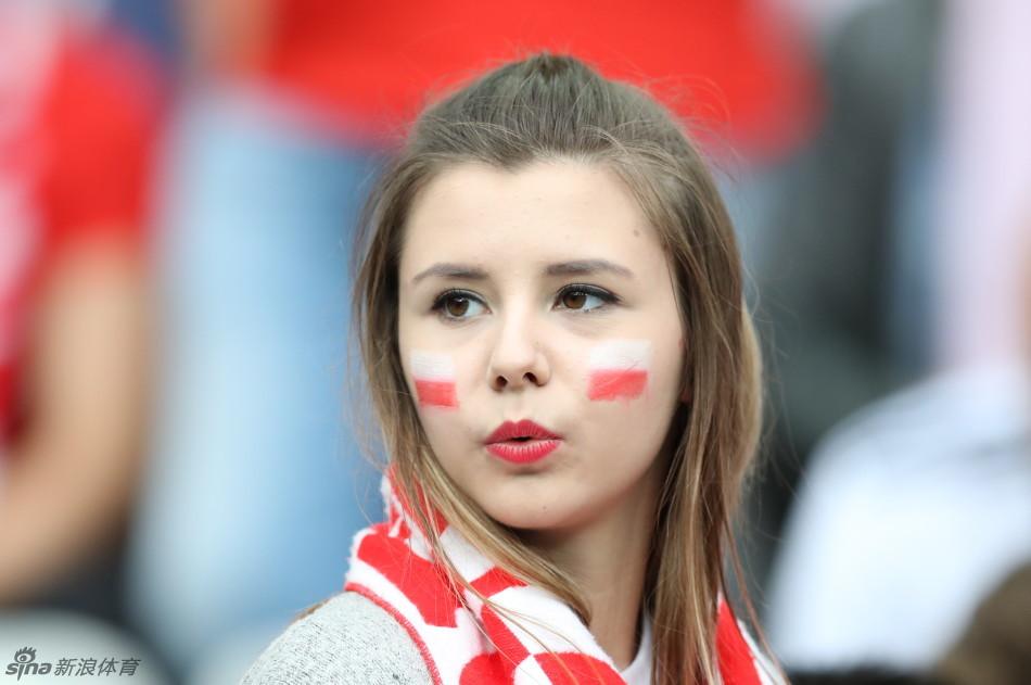 波兰清纯女球迷