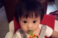 欧弟嫌弃女儿狗啃式刘海 网友:你行你上啊