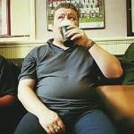 """""""啤酒肚""""增加患癌风险"""