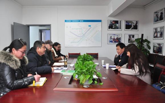 市科协副主席熊少明、安群慧调研武汉科技报